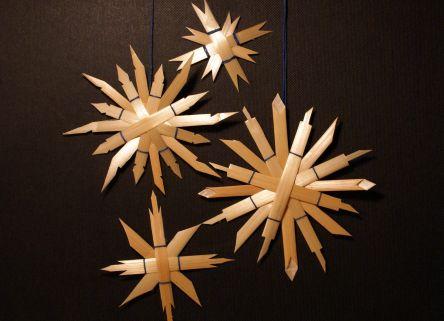 bastelanleitung strohsterne f r weihnachten weihnachten. Black Bedroom Furniture Sets. Home Design Ideas